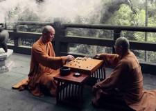 Много веков буддийские монахи используют Го в качестве практики медитации